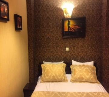 رهن آپارتمان مبله در اصفهان YB3879 | ارازن جا